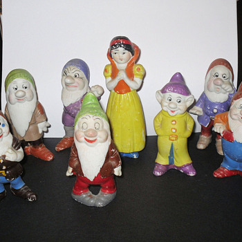 Early Disney Snow White &amp; 7 Dwarfs Figurines - Art Pottery