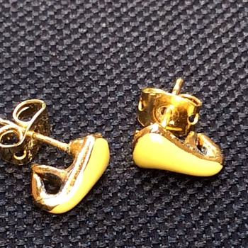 Vintage yellow enamel earrings