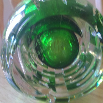 What is this? Vicke Lindstrand? - Art Glass