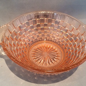 Stunning  Vintage bowl  - Glassware
