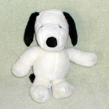 """Snoopy"" Classic Plush Toy - Toys"
