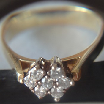 14k yellow gold ring with 7 brilliants - Fine Jewelry