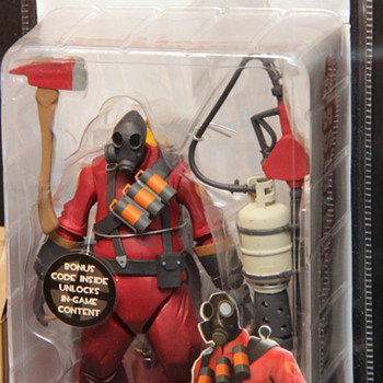1st Edition NECA Red Pyro Figure from TF2 - Toys