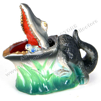 Alligator Nodder Ashtray - Tobacciana