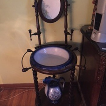 Antique Wash basin stand with mirror - Can anyone tell me anything about this item? - Victorian Era