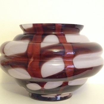 Kralik webbed vase