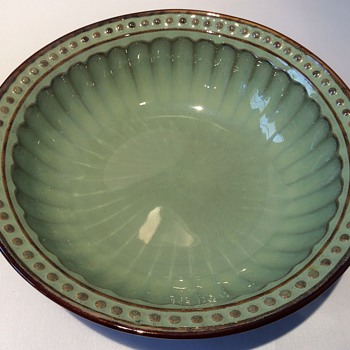 Glazed bowl