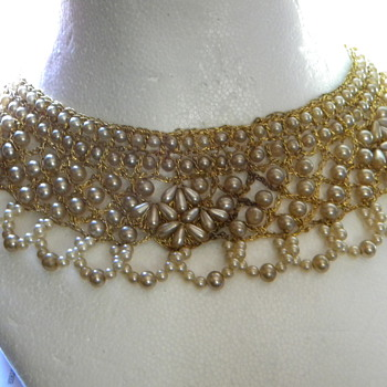 Bib Necklace, I think its old ??????????? - Costume Jewelry