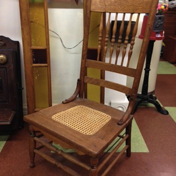 Very low Victorian, oak, pressed-back chair. - Furniture