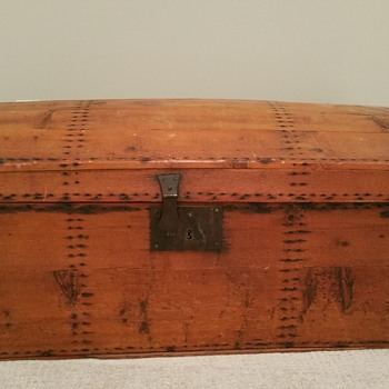 Wondering about this Trunk - Furniture