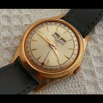 Golden Sunburst Baume et Mercier