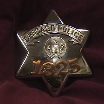 "Chicago Police ""Pie Plate"" Badge - Medals Pins and Badges"