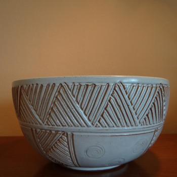 VINTAGE  CHS -BOWL (REPOST) - Mid Century Modern
