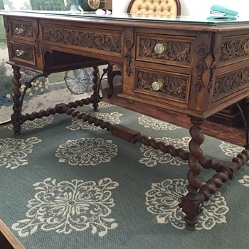 Desk American? Early 1800s? - Carved Gryphons, Artist Pallete & Compass Measuring Tools - Furniture