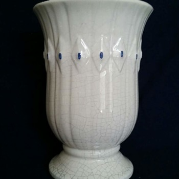 "McCoy Vase ""Early American"" c1967"