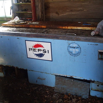 Garage find Pepsi Cooler - Advertising