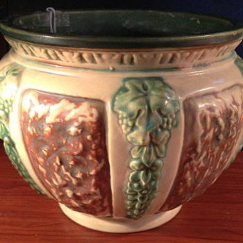 Roseville Florentine II Jardiniere - Art Pottery