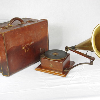 G&T #3 gramophone, original leather carry case - Records