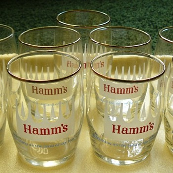 White Crowned Hamm's Barrel Beer Glasses - Breweriana