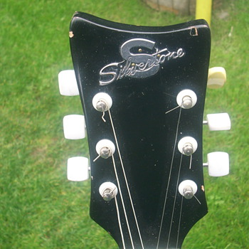 Help?, I can't find info. on this lovely Silvertone Guitar - Guitars