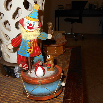 "Enesco 9"" Clown Music Box"