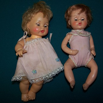 photos of 5 old dolls - Dolls