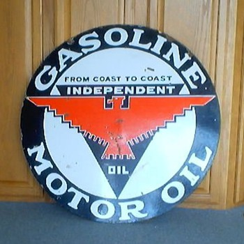 INDEPENDENT GASOLINE MOTOR OIL PORCELAIN SIGN - Petroliana