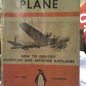 WWII What's That plane by Penguin Books