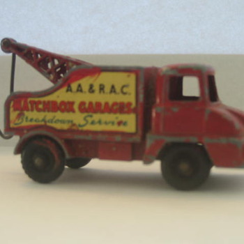 Matchbox Garages Tow Truck - Model Cars