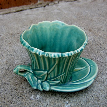 McCoy Lily pad planter - Art Pottery