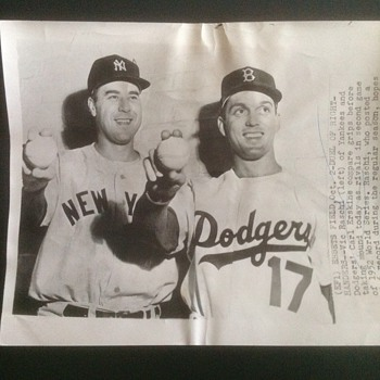 AP Wire photo of Yankee Vic Raschi and Dodger Carl Erskine