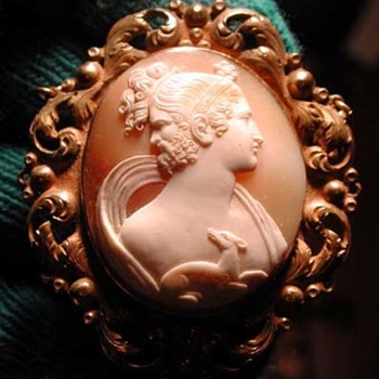 Very rare cameo of man and women with deer