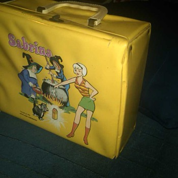 Sabrina the Teenage Witch Lunchbox by the Archies - Kitchen