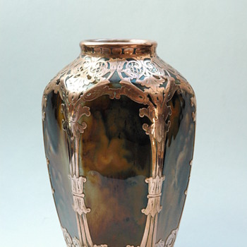 french / european art nouveau porcelain vase - unknow maker.  circa1900