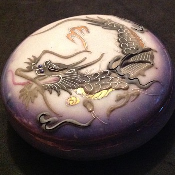 Moriage dragon porcelain lidded dish
