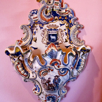 French bouqueterie- wall vase ?