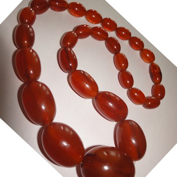 Art Deco Lovely Bakelite necklace - Art Deco