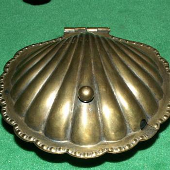 Vintage Cheltenham Scallop Dish ~ 016027 - Silver