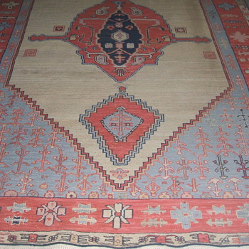NAVAJO RUG ?