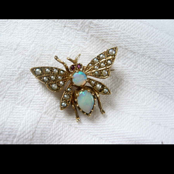 more insects & bugs broochs, eeek! - Fine Jewelry