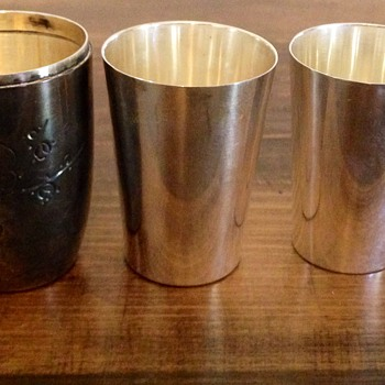 Solid sterling shot glasses with case - Silver