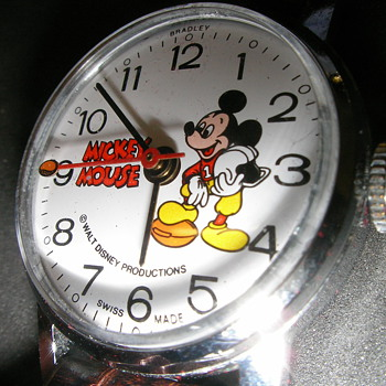 1978 Bradley American Football Mickey Mouse Watch