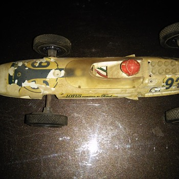 Badly worn but nice vintage race car - Toys