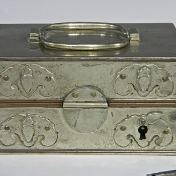Need some information on an Opium Traveling Box