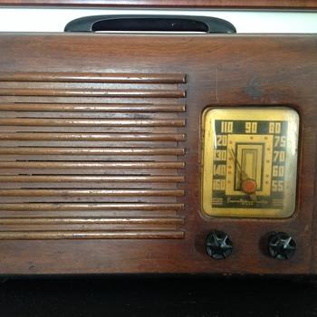 Emerson Radio (1940?)