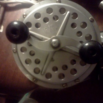 "FISHING REEL ""PFLEUGER PAKRON #3180"""