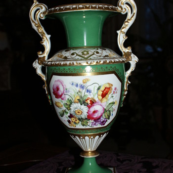 I love the urn/vase - but where does it come from? - Art Pottery