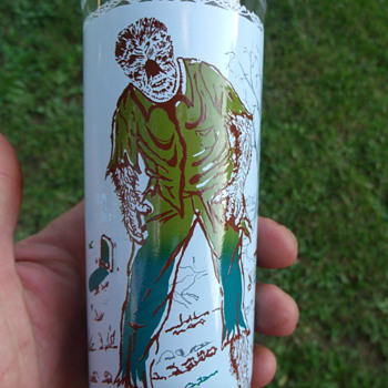 1963 Universal Pictures Co. WOLFMAN Glass in Mint condition from Goodwill - Movies