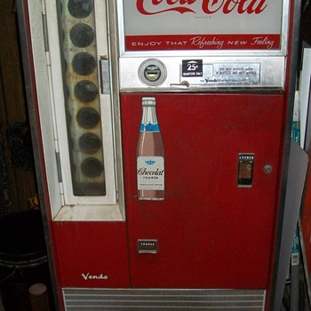 Vendo Coke machine - Coca-Cola