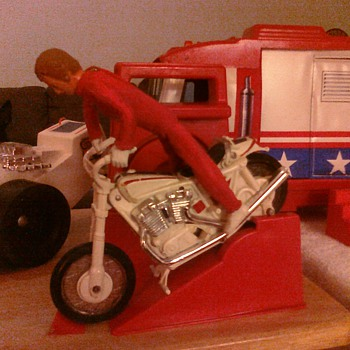 Evel Knievel playset really could jump over great distances!